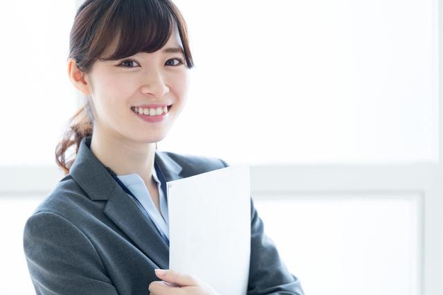 高卒から事務職を希望している人必見!事務の業務内容や種類を解説!
