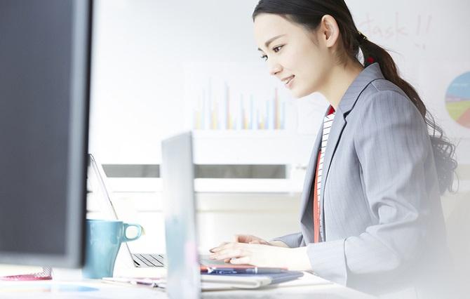 大学中退から事務職への就職は可能?事務職に向いている人の特徴や事務職の種類を紹介!