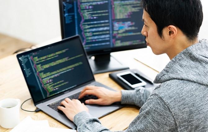 未経験からプログラマーへ転職するには?求められるスキルと注意点
